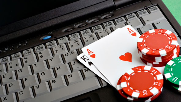 Playing Live Casino Games at Online Casinos